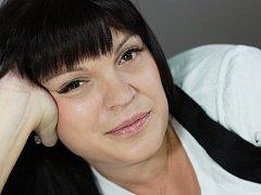 Kosmetička Nikola Capoušková.