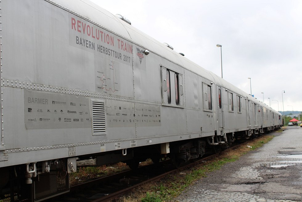 V pondělí 25. června navštívil liberecké nádraží protidrogový vlak. V šesti vozech představuje především mladé generaci nástrahy, které užívání drog přináší, a to za použití videoprodukce i simulovaného prostředí.