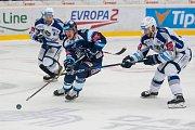 Utkání 23. kola Tipsport extraligy ledního hokeje se odehrálo 19. listopadu v liberecké Home Credit areně. Utkaly se celky Bílí Tygři Liberec a HC Kometa Brno. Na snímku v modrém je Jan Ordoš.