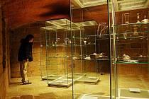 Na vystavených špercích jsou použité například české granáty o velikostech, jaké dnes již nelze nalézt.