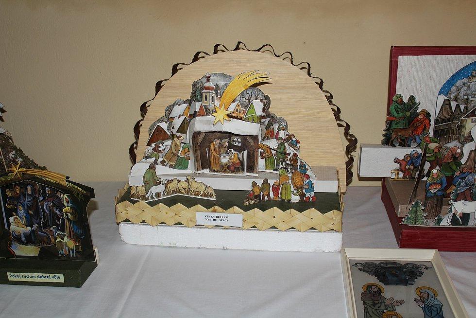 Rochlický kostel zve na betlémy