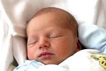ALEXANDR VRKOSLAV. Narodil se 13. července v liberecké porodnici mamince Petře Vrkoslavové z Předlánců. Měřil 49 cm a vážil 3,18 kg.