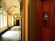 Lidé odevzdali 5. října v Jablonci nad Nisou svůj hlas ve volbách do zastupitelstva a doplňovacích volbách do Senátu Parlamentu České republiky.