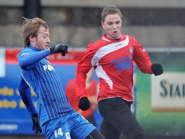 PAVEL BÍNA (vlevo) je jedním z hráčů béčka Liberce, kterého zkouší trenéři prvoligového A-mužstva.