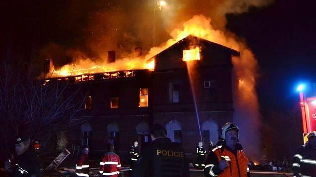 Požár nádražní budovy v Liberci