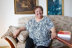 Irena Eliášová ve svém bytě v Ralsku.
