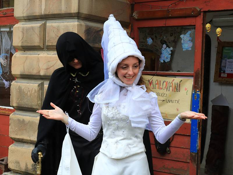 Strašidla na zámku v Horní Libchavě.