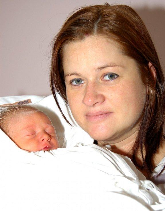 Mamince Petře Hochmanové z Liberce se 1. prosince narodil syn František Janeček. Měřil 50 cm a vážil 3,540 kg.