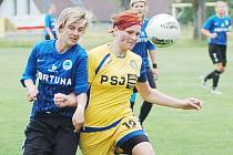 Vlevo je domácí Andrea Jarchovská