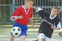Na umělém trávníku ZŠ Barvířská se uskutečnilo okresní finále fotbalového Mc Donalds´Cupu 2008 pro žáky 1. – 3. a 5. tříd.