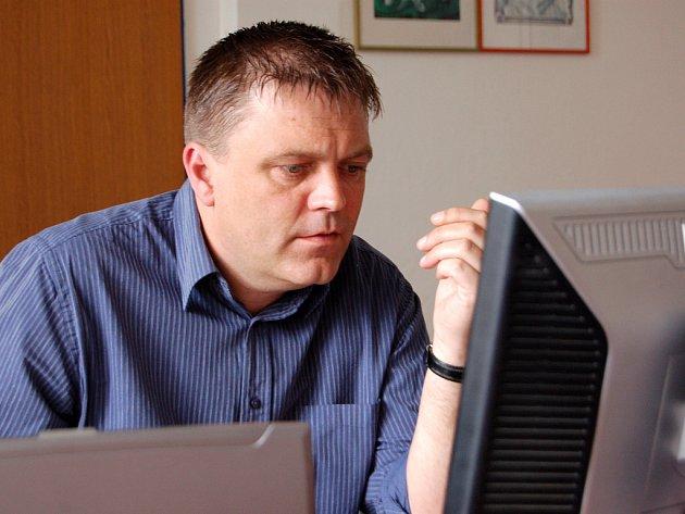 Robert Dušek.