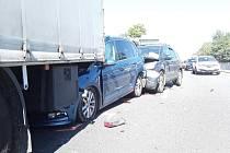 Dopravní nehoda na komunikaci I/35 v Jeřmanicích ve směru na Prahu.