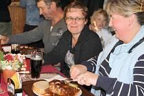 Pivaři se sjeli přímo na hřeben Ještědu, konal se tu první liberecký Oktoberfest.