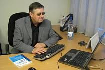 ODBOROVÝ PŘEDÁK. Předseda krajské Asociace samostatných odborů Milan Šubrt.