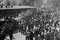 SBĚRNÝ tábor pro Němce určené k vysídlení. Husova ulice, Liberec. Zrušen byl v roce 1952. Dnes jsou tam budovy TUL.