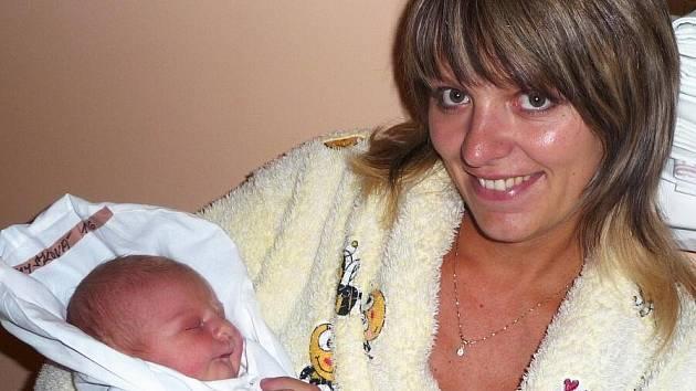 Mamince Martině Strnadové z Heřmanic se dne 8. října 2009 v liberecké porodnici narodila dcera Michaela Chýšková, která vážila 3,80 kilogramů a měřila 51 centimetrů. Blahopřejeme!