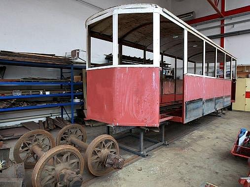 Nadšenci z Bovera klubu s láskou zachraňují staré tramvaje.