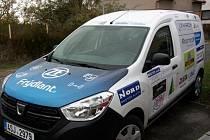 Dětský domov ve Frýdlantu má nový sociální automobil.