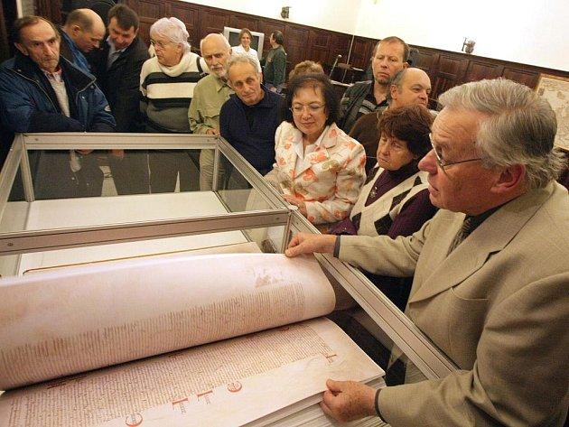 V rámci výstavy Česká bible v průběhu staletí přednášel Jiří Fogl o tom, jak vázal kopii Ďáblovy bible.