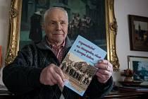 Jiří Kryštůfek a jeho kniha.