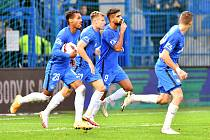 FC Slovan Liberec - FK Mladá Boleslav 2:1. Liberečtí fotbalisté se radují z první výhry v sezoně.