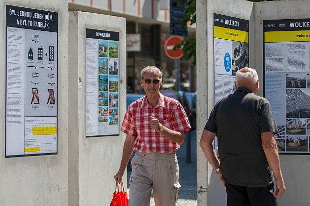 Na Soukenném náměstí vLiberci bude od 22.června do 19.září kvidění výstava snázvem Příběh paneláku vLibereckém kraji, která přiblíží historii a současnost vybraných panelových sídlišť vLiberci a vJablonci nad Nisou.