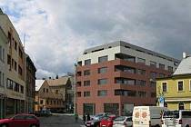 PAPÍROVÉ NÁMĚSTÍ čekají stavební změny. Mezi ulicemi Širokou a Papírovou vyroste budova s více než 30 byty. Další stavba by měla vzniknout na místě dvou vybydlených domů při ulici U Stoky.
