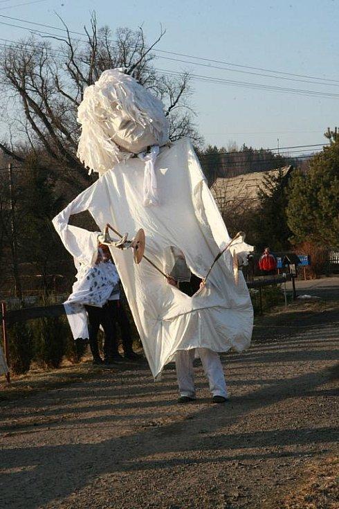 V Jítravě na Liberecku řádily první březnovou sobotu maškary v tradičním masopustním veselí.V Jítravě na Liberecku řádily první březnovou sobotu maškary v tradičním masopustním veselí.