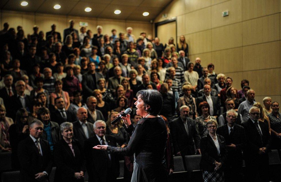 Marta Kubišová zpívala na Technické univerzitě v Liberci.