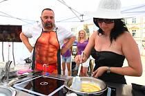 Gastrotour na libereckém náměstí Dr. E. Beneše. V kuchařské show se představil Ivan Vodochodský.