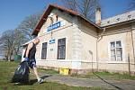 Úklid odpadků v Dolní Řasnici na Liberecku v rámci celorepublikové akce Ukliďme Česko