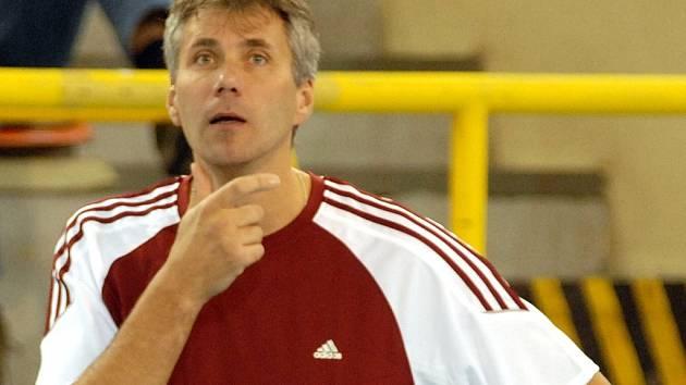 Trenér Dukly Vladan Merta.