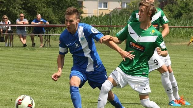 Liberecké mládí podalo kvalitní výkon. Jedním gólem výhru podpořil i záložník Ondřej Bláha (vlevo).