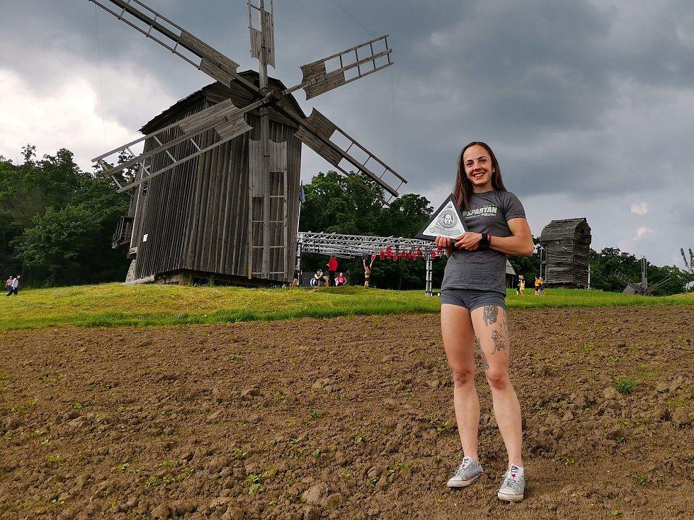 Adéla Voráčková si odvezla z Ukrajiny dva stříbrné trojúhelníky.