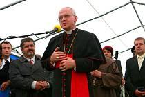 Litoměřický biskup Jan Baxant v Chrastavě i promluvil.