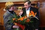František Peterka přijímá gratulace na radnici.