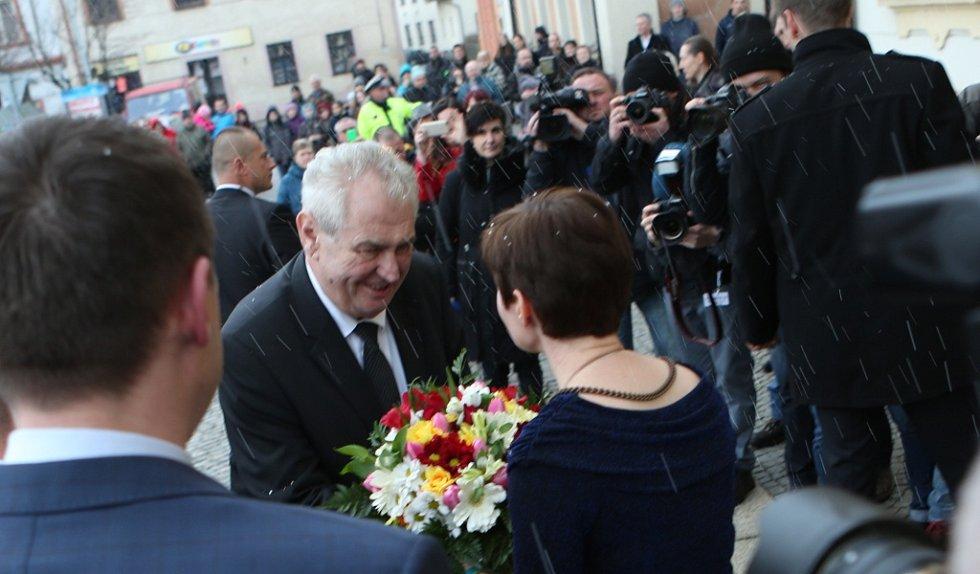 Prezident Miloš Zeman se setkal s představiteli města Hodkovice nad Mohelkou a jeho občany.