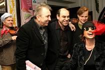 NA FEBIOFESTU BYLO V KINĚ VŽDYCKY VESELO. Každé zahájení liberecké ozvěny mezinárodního filmového festivalu Febiofest provázel speciální program. Vloni v kině Varšava startoval Febiofest českým filmem Bobule.