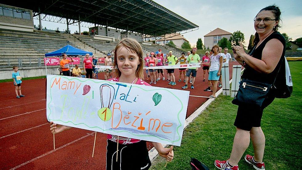 Olympijský běh na libereckém stadionu.