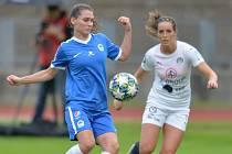 Ženy Slovanu v domácím střetnutí se Slováckem.