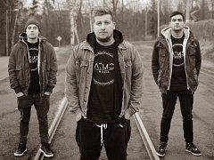 ATMO MUSIC & JAKUB DĚKAN. Beef rapuje, ODD je DJ a producent a Jakub zpívá.
