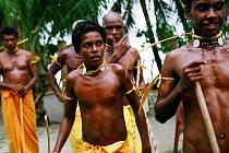 FESTIVALOVÝ SNÍMEK BYL JEDNOU JEDEN OSTROV je na programu v kině Lípa v sobotu od 20.30 hodin. Novozélandský snímek Briara Marcha mapuje změny života komunity původních obyvatel jednoho malého ostrova v Polynésii.