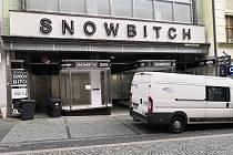 Bývalý obchod Snowbitch.