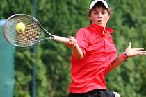 V neděli 5. srpna skončilo žákovské Mistrovství České republiky v tenisu finálovým utkáním dvouhry chlapců.  Na snímku finalista Štěpán Holiš z Valašského Meziříčí.