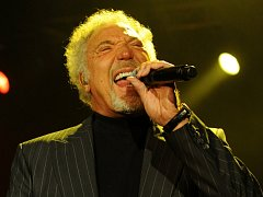 Headlinerem Benátské! bude Sir Tom Jones.