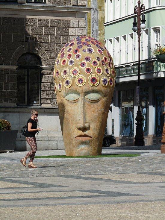 Umění v ulicích. Fotografie je součástí knihy Liberec.