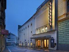 Kino Varšava.