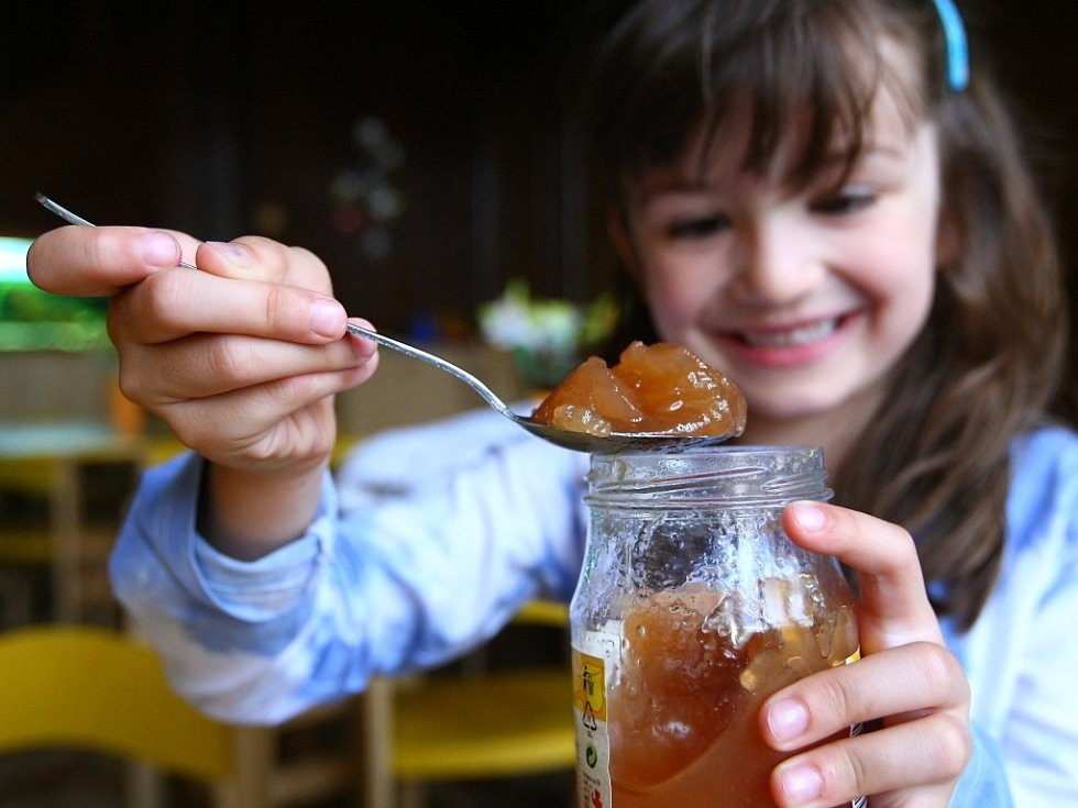 Zda jde o marmeládu nebo džem je jedno. Důležité je, aby byl vzorek domácí a co nejlépe chutnal. Cení se i originalita. Ilustrační. Jamparáda.