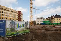 Stavba bytů na libereckém Rybníčku.