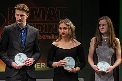 Slavnostní vyhlášení ankety Nejúspěšnější sportovec Libereckého kraje rok 2017 proběhlo 5. dubna v Divadle F. X. Šaldy v Liberci. Na snímku (uprostřed) je Karolína Bartuňková.